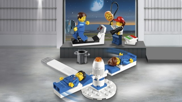 LEGO City 2019 - Image of LEGO Minifigures on Treadmill and Spinner Simulator