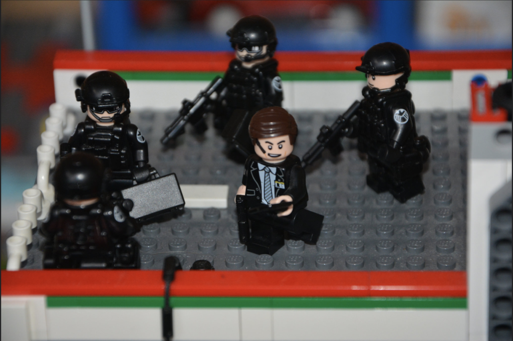 Image of SHIELD Agents with BrickArms and SI-Dan Equipment