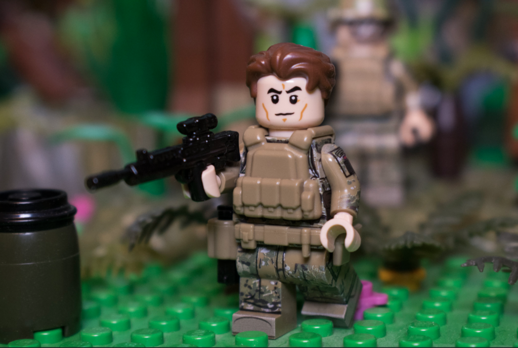 LEGO Army - Image of British Soldier with SI-Dan Tactical Belt, BrickArms Tactical Vest and BrickArms L85A1