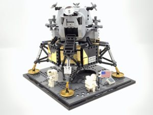 LEGO Lunar Lander: The Eagle Has Been MODed