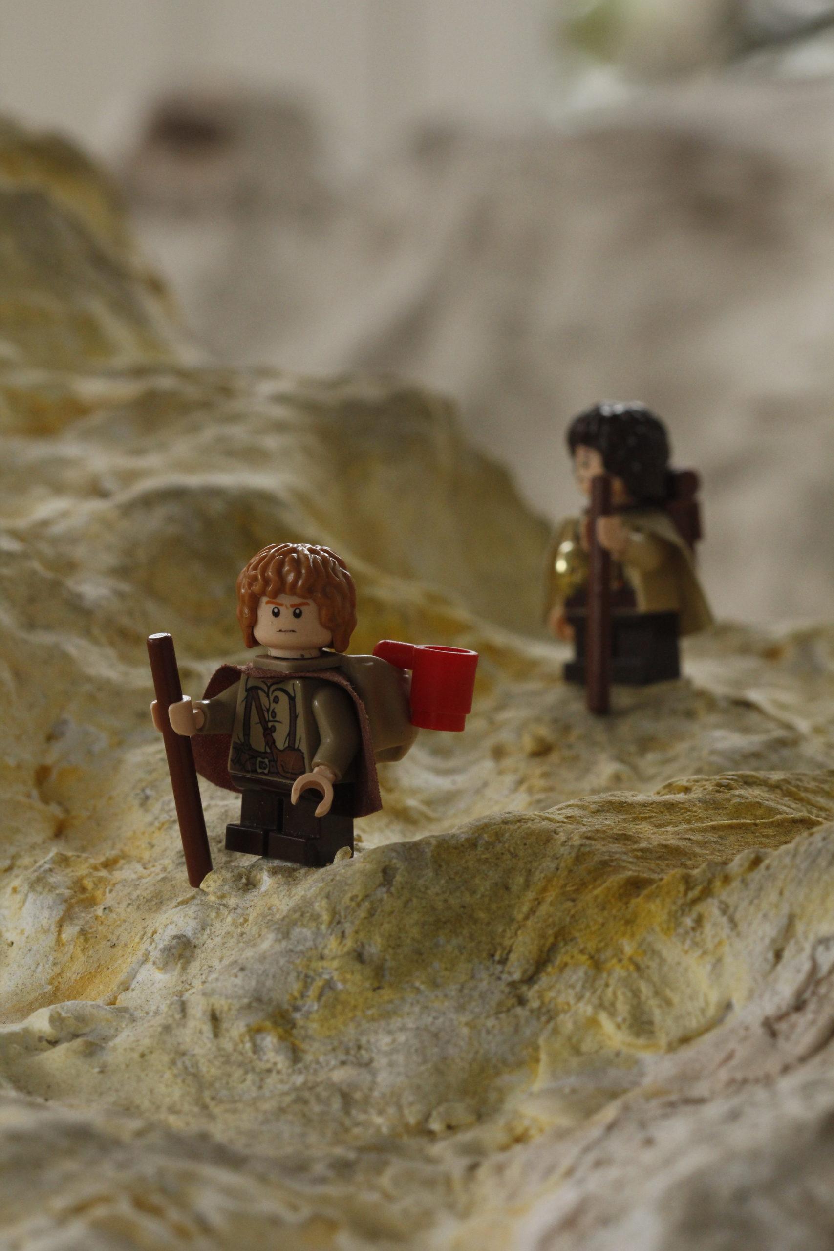 lego inspiring creativity: two hobbits