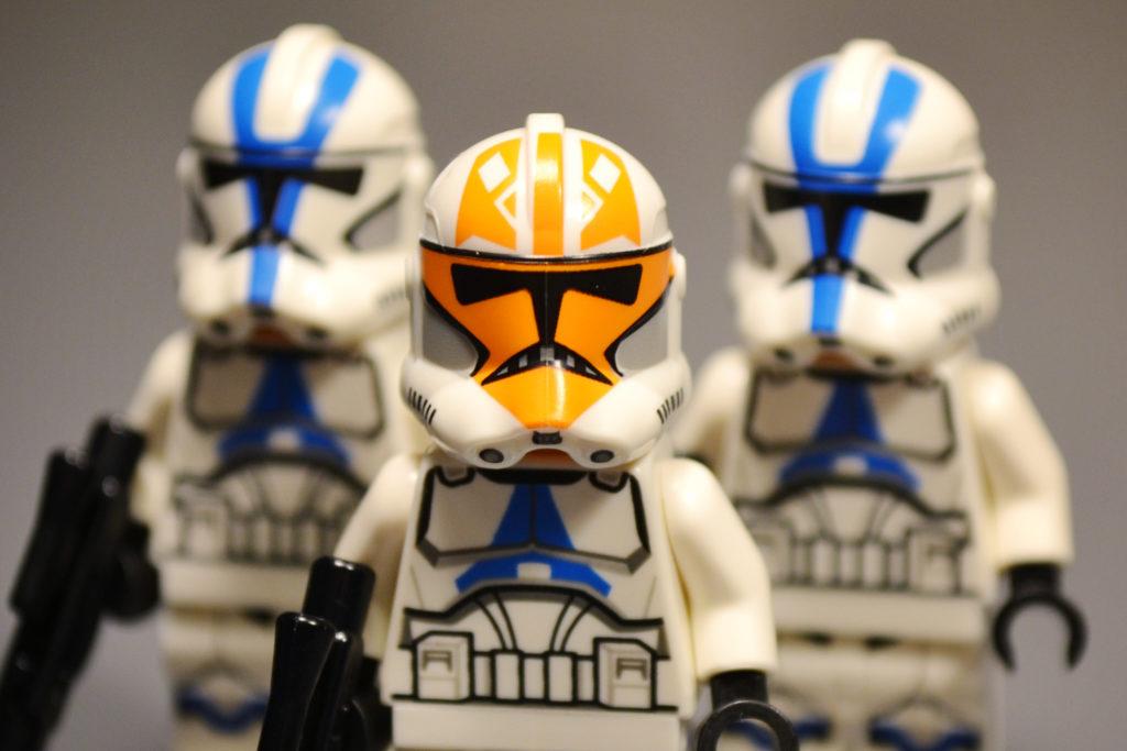 LEGO 75283 minifigures