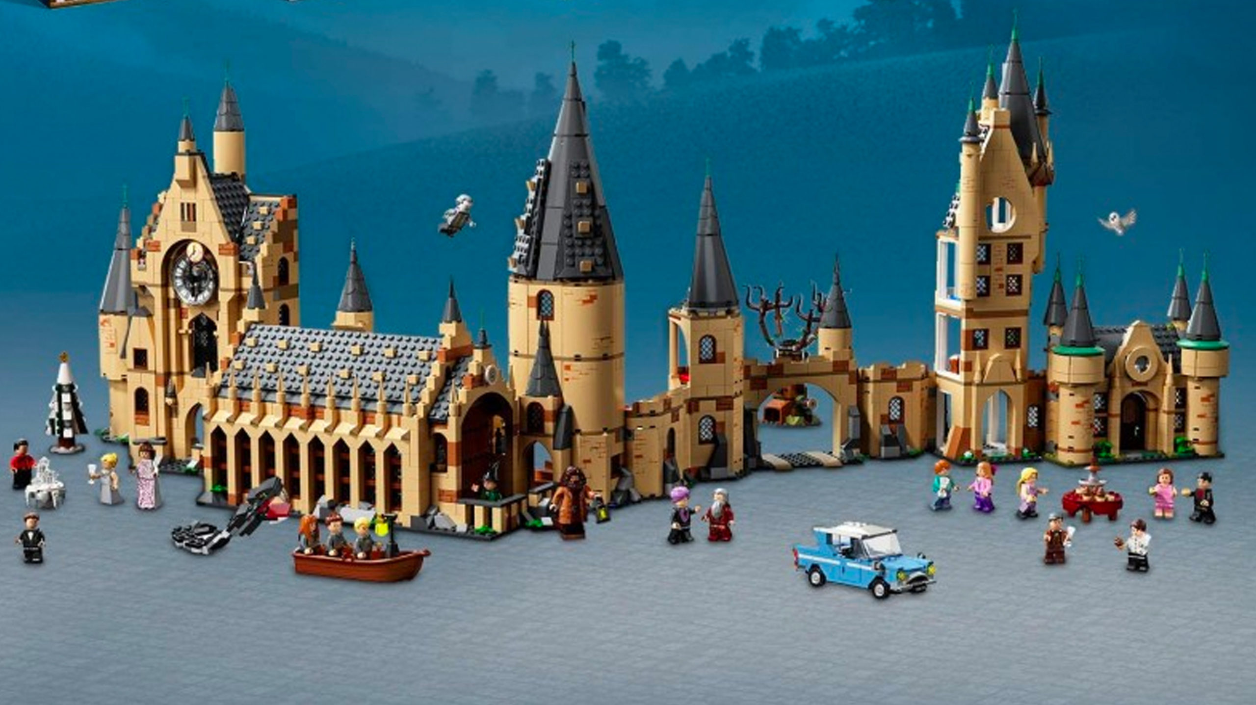LEGO Harry Potter - Hogwarts, Minifigure Scale. All connected.